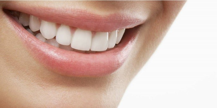 Cosmetic dental office offering Lumineer without shaving tooth